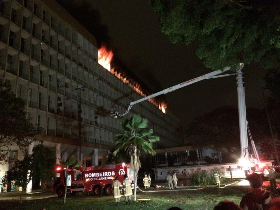 Incêndio Prédio Reitoria UFRJ
